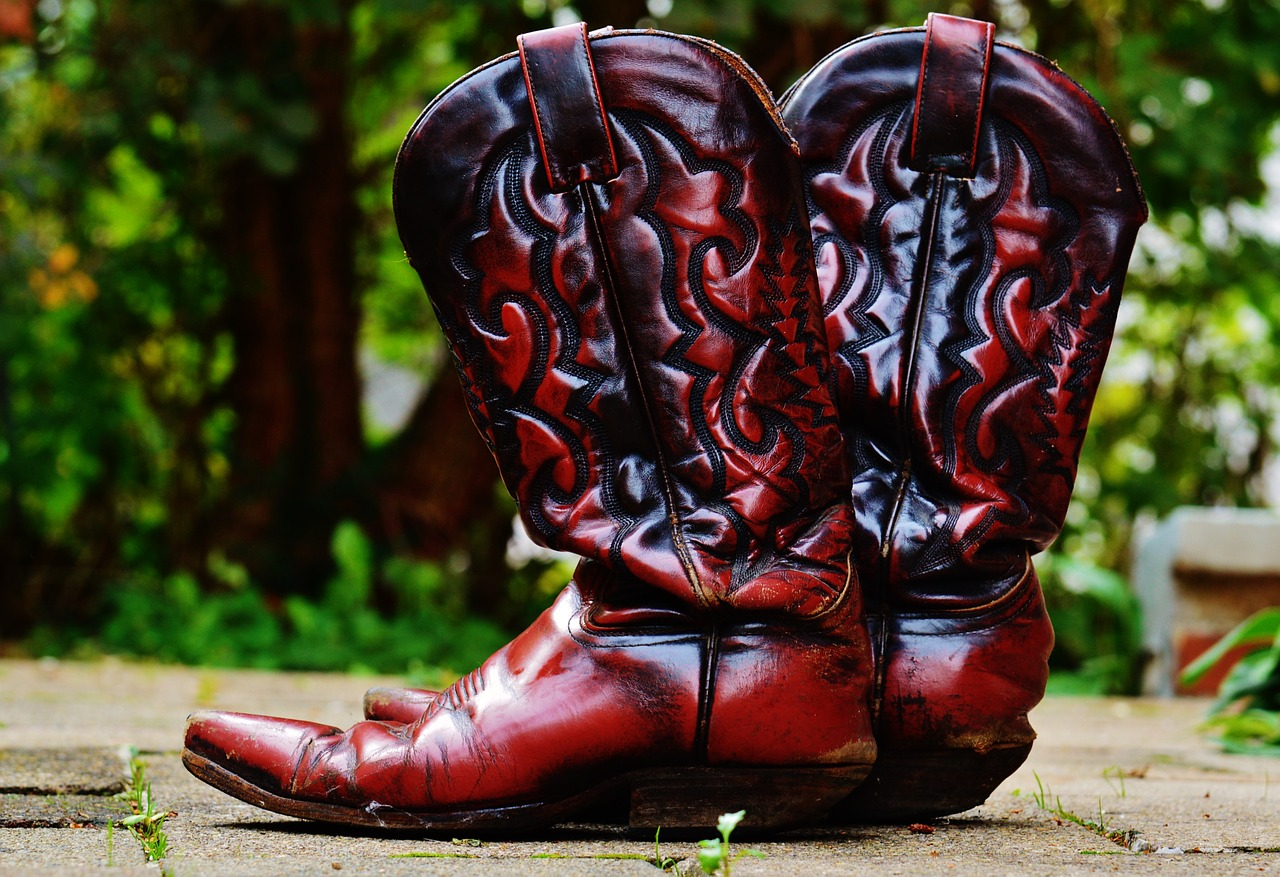 Czerwone kowbojskie buty ze skóry
