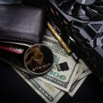 Skórzany portfel, pieniądze